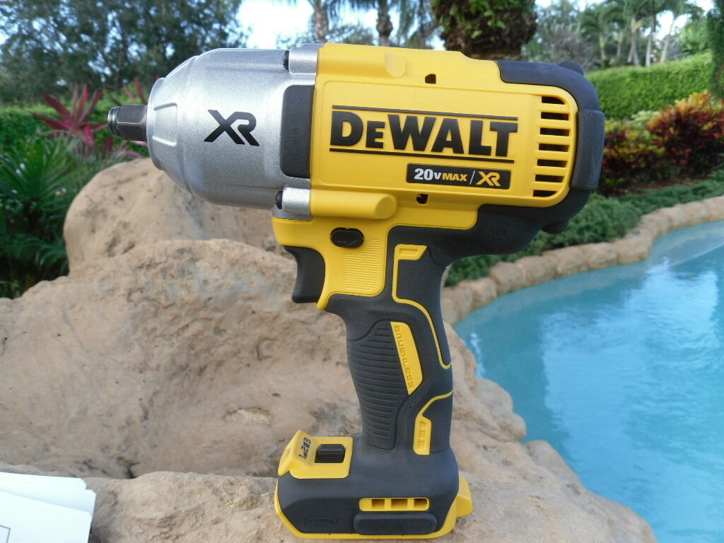 DEWALT 20V MAX XR 1/2 Impact Wrench 700 ft\lbs DCF899H Brushless Bare Tool