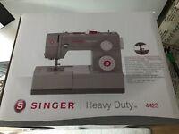 Singer 4423 Sewing machine and Singer 14SH754 Overlocker