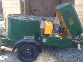 Concrete mixer/ pan roller mixer