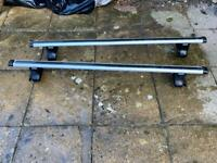 Thule roof bars for a hatchback