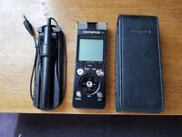 Olympus DM-670 Very Good Condition with Olympus ME34 Compact Zoom Microphone