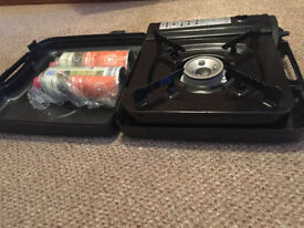 Gas cooker, cartridges, as good as new, works well