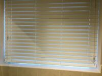 WHITE WINDOW BLIND (BRAND NEW) + Fittings