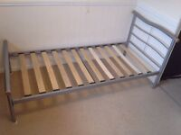 Single bed frame with matterace