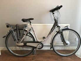 Ladies electric bike hybrid/city/ebike low mileage