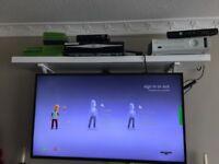 XBOX 360,250gb + Kinect Sensor..Massive Bundle.1 x Controller, + 16 Games