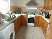 Large high quality 2 bed fully furnished flat. Close to the City Crentre.