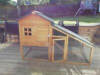 Barely used Guinea pig/rabbit hutch. Excellent condition