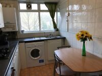 **1 WEEK DEPOSIT** Lovely single room available now!