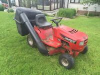 Ride on mower Murray twin cut with Briggs and Stratton engine