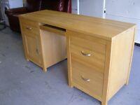 Solid Oak Hardwood Computer Desk. Very Good Condition