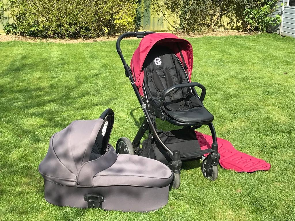 Oyster pushchair and carrycot