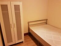 Room to let in house share willesden green