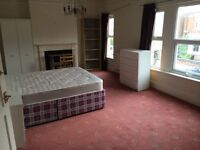 Spacious 3 Bedroom Flat Castle Road Bedford Town Centre Fully furnished