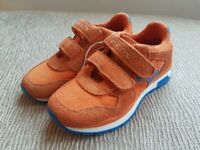 Childrens GEOX Trainers Shoes- BRAND NEW BOXED Size11