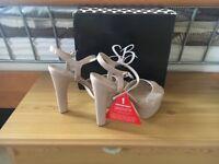 Ladies heels size 8