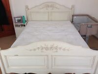 King size 5ft off white French shabby chic bed frame