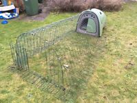 Omlet Eglu Classic Chicken Coop, 2m run, 12 m Omlet fencing, feeders and three bags of feed