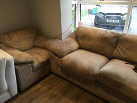 Can deliver sofa set Harvey's