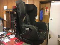 Maxi-cosi axiss swivel car seat