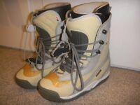 Snowboard boots - Burton UK 8 grey/cream Almost new