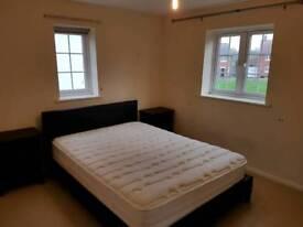 Doubĺe furnished ensuite room