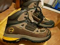Timberland goretex boots size 9 brand new vibram soles