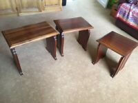 Nest of tables in solid wood, set of three
