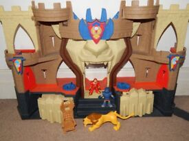 IMAGINEXT KNIGHTS CASTLE WITH FIGURES AND LION