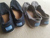 2 x mens Toms casual slip on shoes UK8