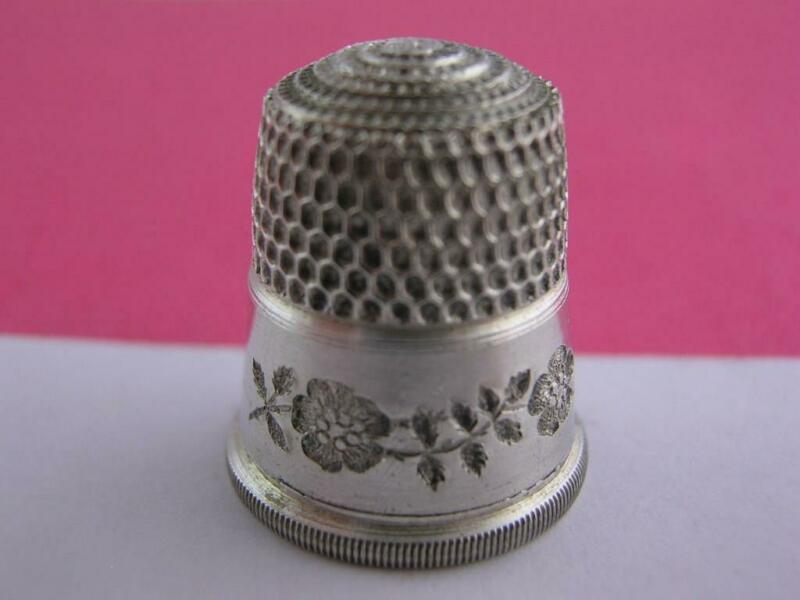 Vintage Sterling SIMONS Thimble w/ engraved floral & leaves