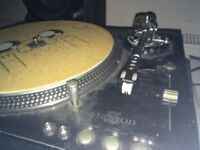 2x Stanton Str8 150 Direct Drive Turntables