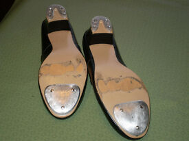 Tap Shoes Hardly worn size 38 5 1/2 Fitted with heel and toe taps
