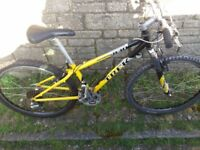 trek singletrack 830 mountain bike