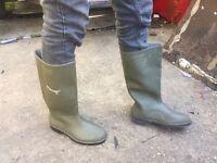 Men's Green Dunlop Wellies - Size 8
