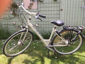 Ladies Giant cycle