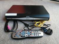 Sky+ HD box with remote and cables 500gb wifi