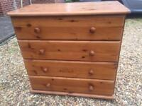 Solid pine chest of drawers. Dovetail Joints