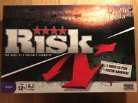 2 board games - Cluedo & Risk - v good condition