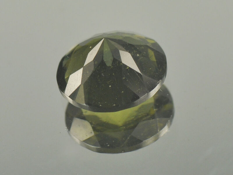 3.8cts round 11x8mm moldavite faceted cutted gem BRUS948