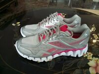 RRP £100+ Reebok ZigSonic Zigtech UK 7 Euro 40.5 Ladies Running Trainers