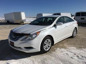 2011 Hyundai Sonata GL Package ***Professionally Serviced and De