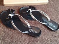 2 pairs of Truffle sandals - new - black and cream