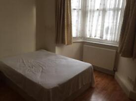Double room 5 min walk to Hammersmith station