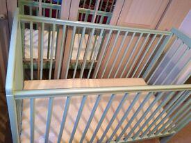 Ultimate Baby Crib + Mattress *Like NEW*