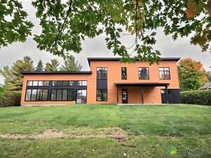 925 000$ - Maison 2 étages à vendre à Magog