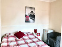double room to let within house share £70pw most bills inclusive of rent