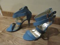 GLADIATOR SANDALS HIGH HEELED AQUA BLUE BACK ZIP & SIDE BUCKLES NEW