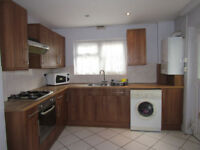 Extra Large Double rooms in Lewisham - amazing value act fast they will go!!! Less deposit