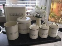 Cream retro kitchen bundle